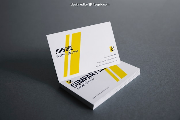 Maquette de carte de visite blanche et jaune