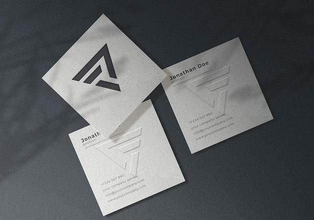 Maquette de carte de visite carrée en relief