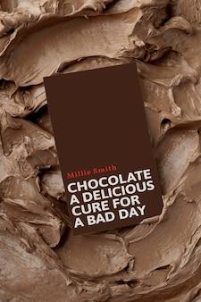 Maquette de carte de visite de dessert psd sur la texture de glaçage marron