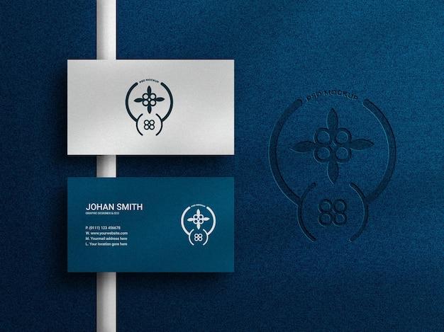 Maquette de carte de visite élégante et luxueuse avec logo en relief