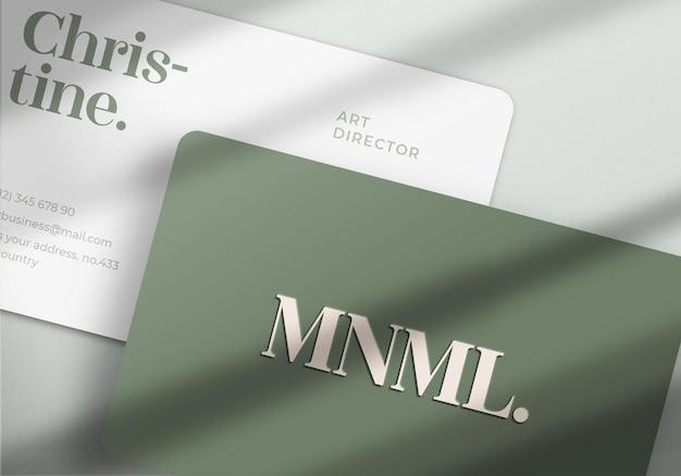 Maquette de carte de visite en gros plan minimaliste et moderne