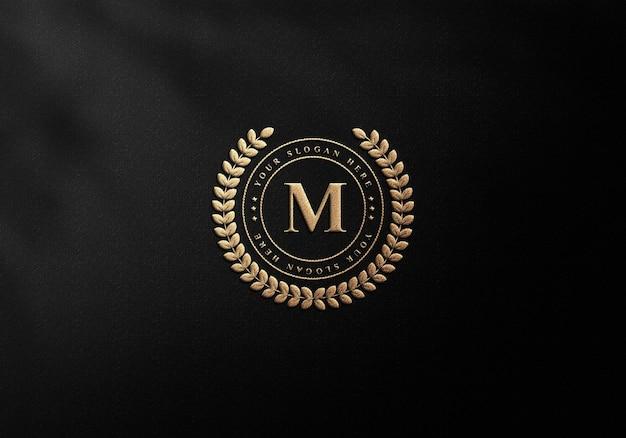 Maquette de carte de visite de luxe avec effet typographique or