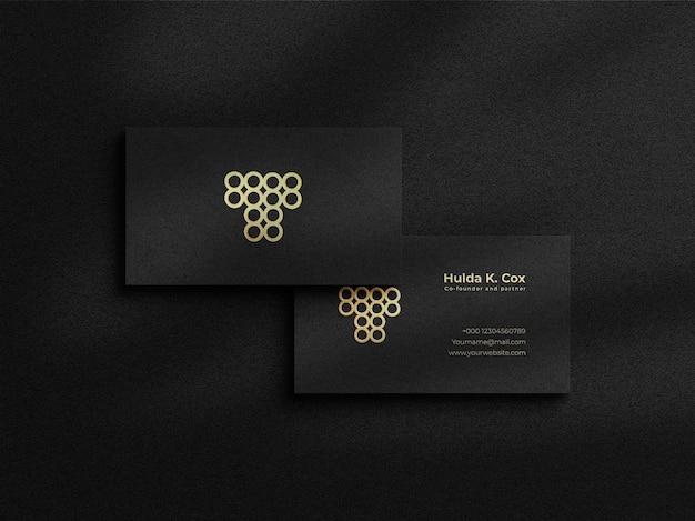 Maquette de carte de visite de luxe moderne avec fond sombre