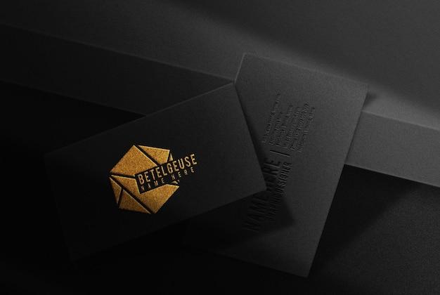 Maquette de carte de visite de luxe en relief or