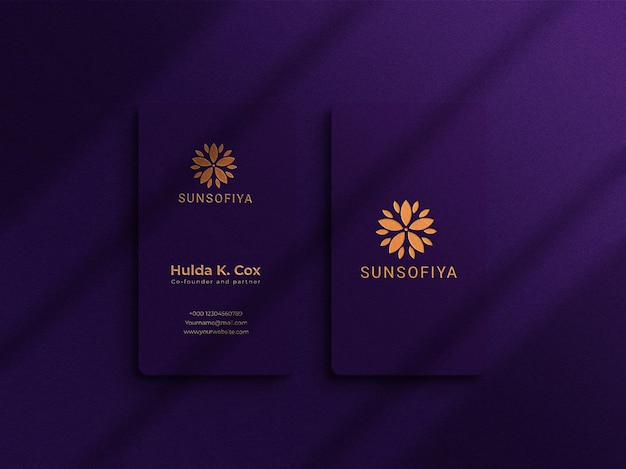 Maquette de carte de visite de luxe verticale avec superposition d'ombres