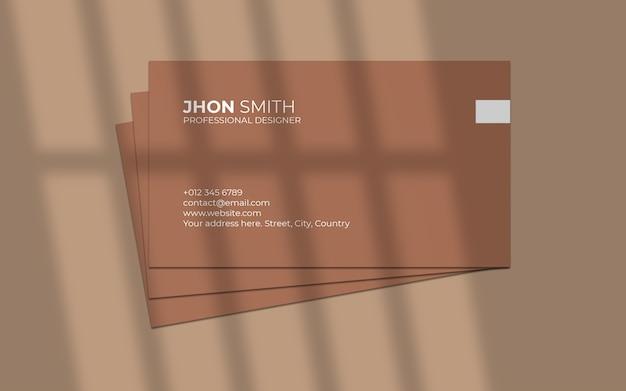 Maquette de carte de visite minimale avec ombre