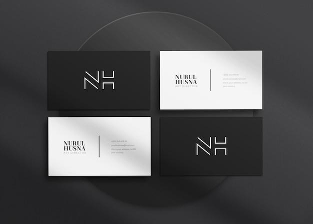 Maquette de carte de visite minimaliste, élégante et luxueuse à thème sombre réaliste