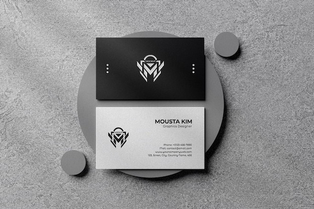 Maquette de carte de visite en noir et blanc propre