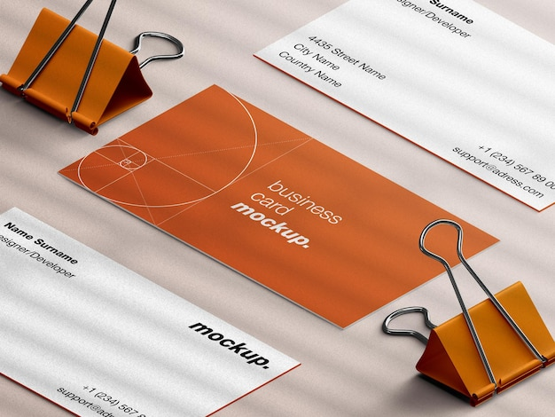Maquette de carte de visite de papeterie professionnelle avec vue isométrique des oeillères en papier isolée