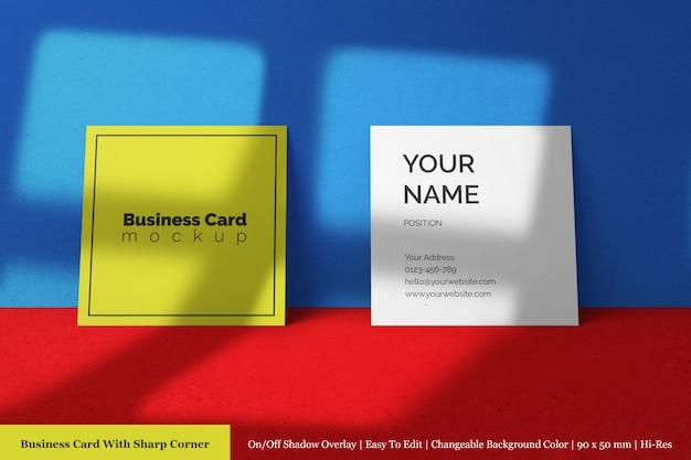 Maquette de carte de visite de taille carré d'entreprise moderne avec superposition d'ombre naturelle