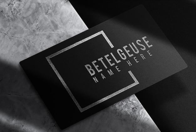 Maquette de carte de visite unique en relief argenté de luxe