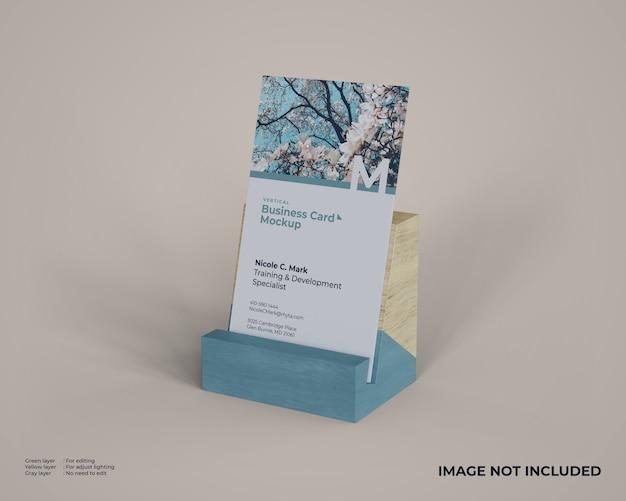 Maquette de carte de visite verticale avec support en bois