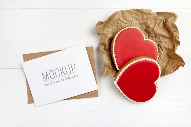 Maquette de carte de voeux saint valentin avec biscuits coeurs doux