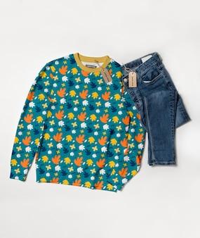 Maquette de concept de chemise colorée