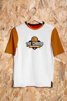 Maquette de concept de chemise multicolore