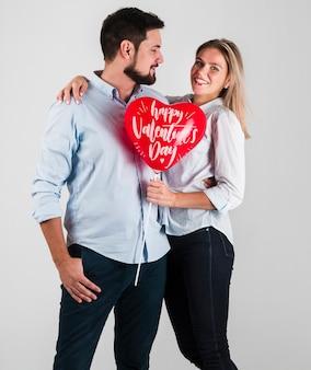 Maquette de concept de couple saint valentin