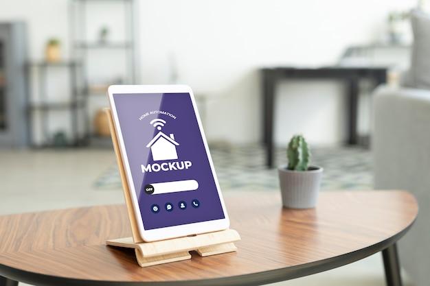 Maquette de concept domotique avec tablette numérique