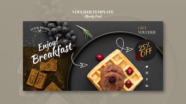 Maquette de concept de modèle de bon de restaurant de nourriture moody