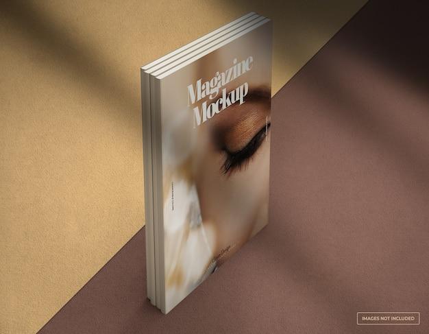 Maquette de conception de couverture de magazine debout