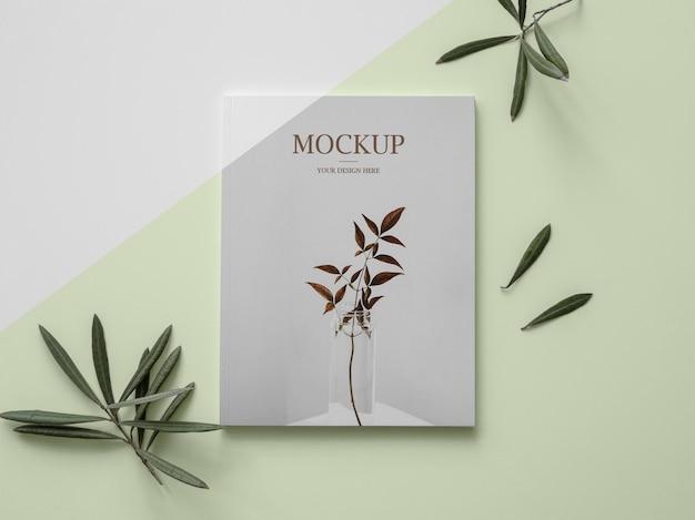 Maquette de couverture de magazine nature à plat avec des feuilles