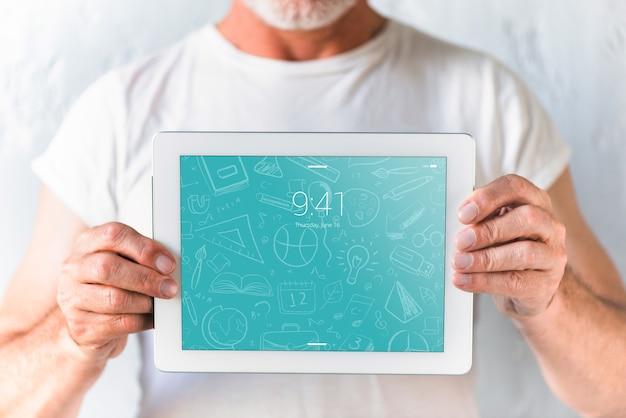 Maquette de dentiste avec tablette