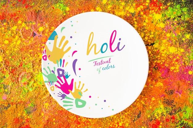 Maquette du festival de holi avec assiette ronde