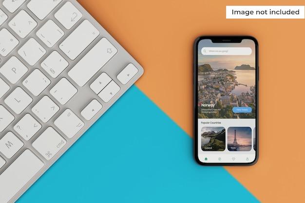 Maquette d'écran mobile réaliste avec clavier