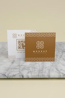 Maquette élégante pour la composition de cartes de visite d'entreprise