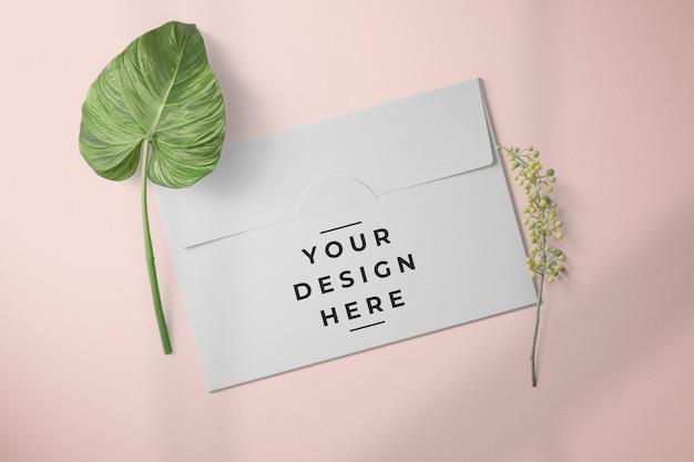 Maquette d'emballage de carte d'enveloppe de papier vue de dessus