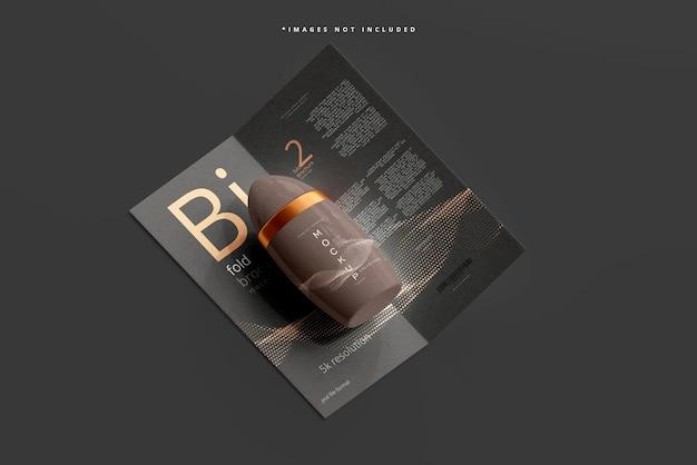 Maquette d'emballage de déodorant avec brochure bi fold