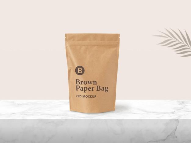 Maquette d'emballage de pochette zippée en papier brun
