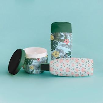Maquette d'emballage avec des produits de beauté