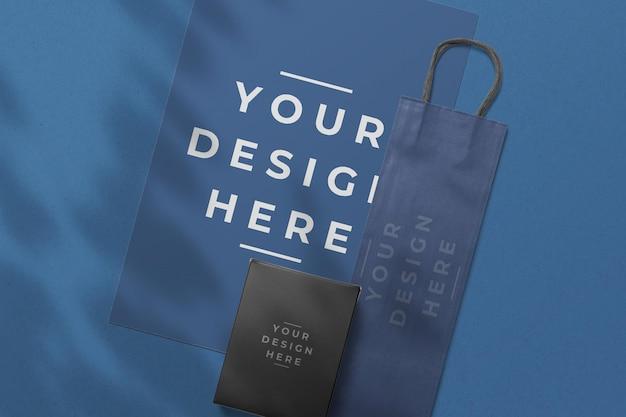 Maquette d'emballage de sac en papier bleu