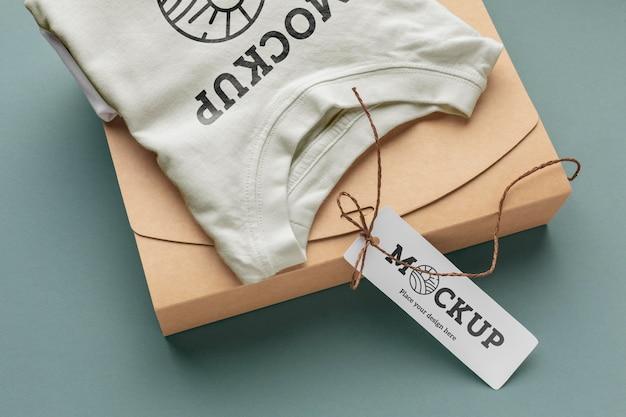 Maquette d'emballage de tshirt écologique