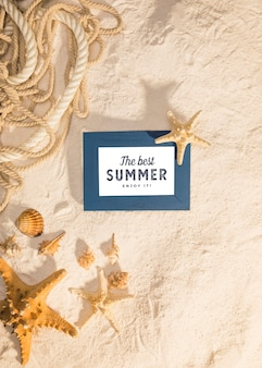 Maquette d'été avec des éléments marins