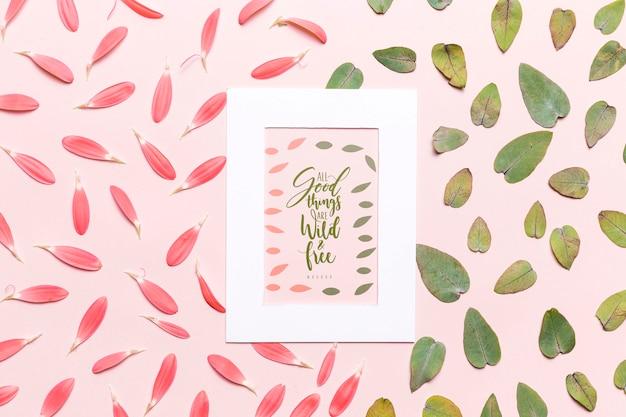Maquette florale feuilles et pétales