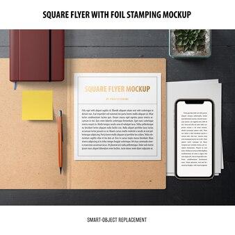 Maquette de flyer carré
