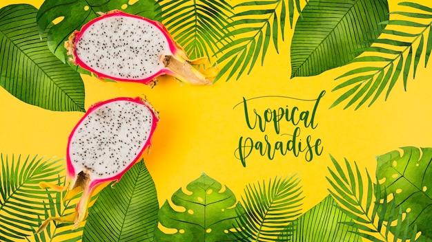Maquette de fond plat laïque avec feuilles tropicales