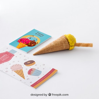 Maquette de glace créative avec le concept de papeterie