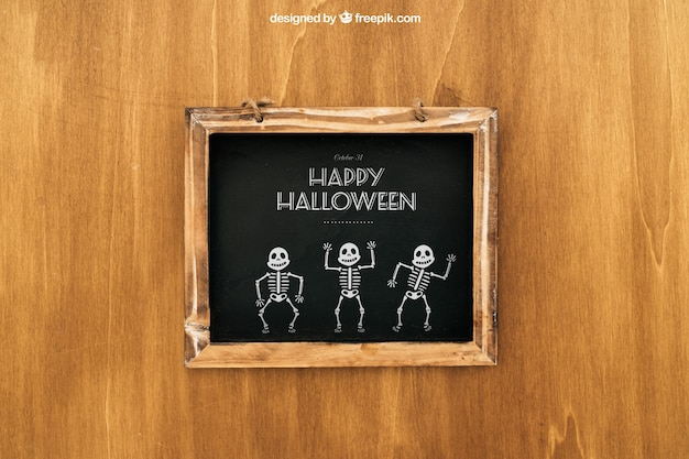 Maquette d'halloween avec ardoise en bois