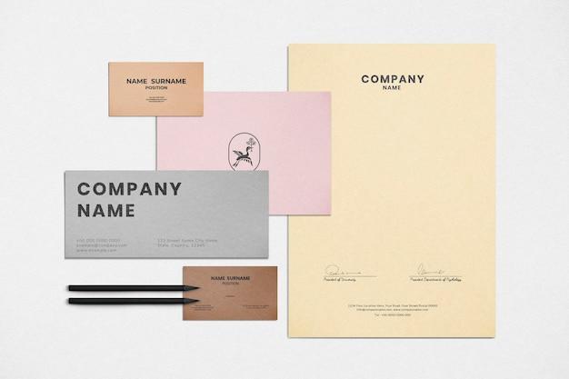 Maquette d'identité d'entreprise définie pour l'entreprise commerciale