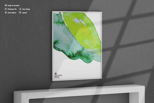 Maquette d'image de cadre isolée sur le mur