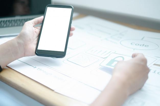 Maquette de l'interface de développement de processus d'application de smartphone pour le concepteur graphique ux pour le téléphone mobile web
