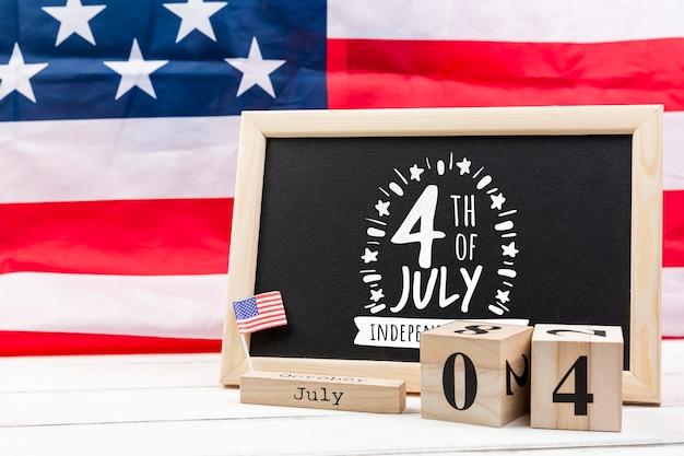 Maquette de jour de l'indépendance avec l'ardoise