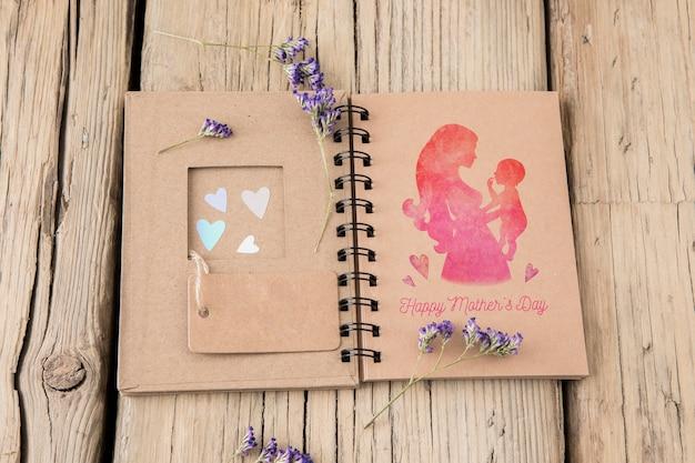 Maquette de livre de bricolage pour la fête des mères