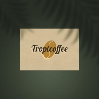 Maquette de logo sur carte de visite en papier naturel