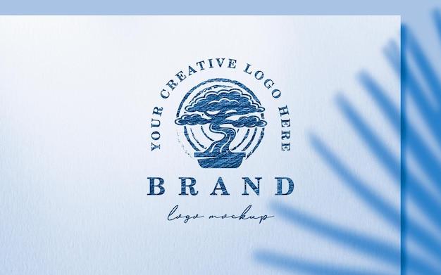 Maquette de logo de croquis de stylo à bille