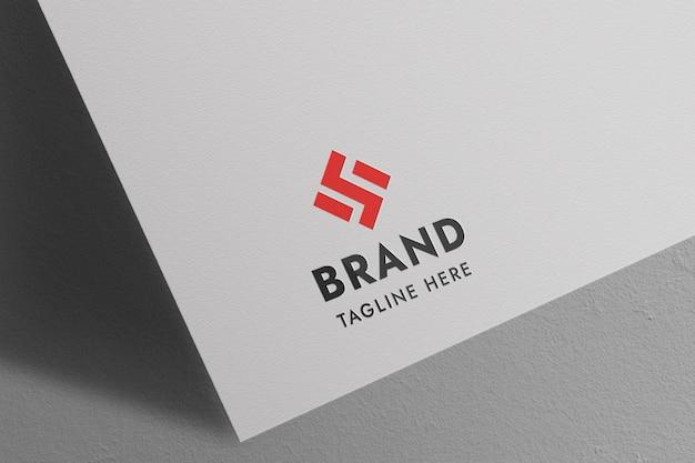 Maquette de logo avec effet de gaufrage