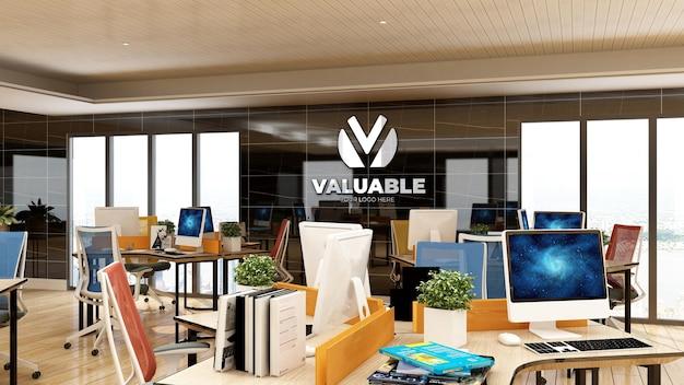 Maquette de logo d'entreprise 3d dans l'espace de travail du bureau avec un intérieur design de luxe