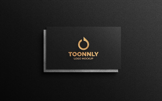 Maquette de logo de feuille d'or sur carte de visite